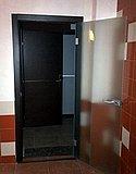 Стеклянная распашная дверь в деревянной коробке в Усадьбе Банной Нижний Новгород 04