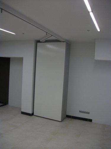 Раздвижная звукоизоляционная стена 03