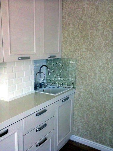 Кухонный фартук из бесцветного закаленного стекла 02