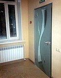 Одностворчатая маятниковая дверь с пескоструйным рисунком 01
