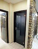 Дверь из матового бронзового стекла в деревянной коробке (Нижний Новгород) 11