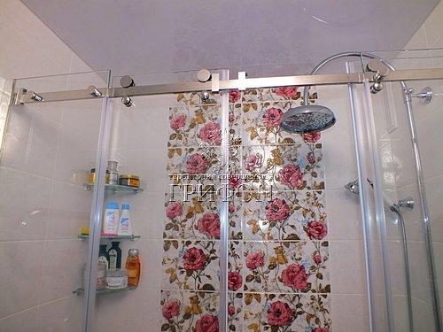 Душевая перегородка из выбеленного закаленного стекла с раздвижными дверями (Нижний Новгород) 05